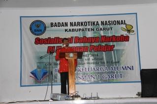 Wakil Bupati Garut dr. Helmi Budiman menyampaikan sambutan pada acara kegiatan Sosialisasi Bahaya Narkoba di Lingkungan Pelajar
